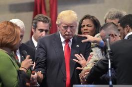 trump-prayers