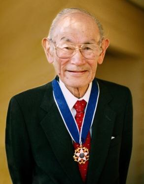 Fred-with-medal-SG-EDITED-Shirley-Nakao-mediumres